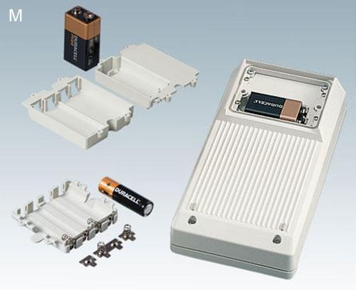 Batteriefächer M: 4 x AA, 1 x 9 V oder 2 x 9 V