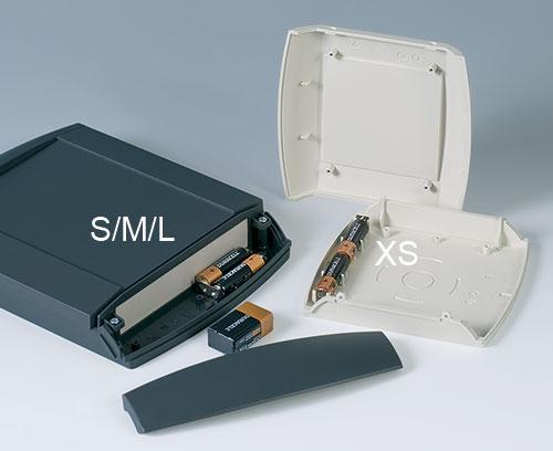 Batteriefach S, M & L: 2 x AA oder 1 x 9 V Batterien; Batteriefach XS: 2 x AA