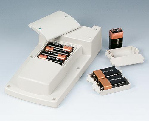 Batteriefach 4 x AA, 1 x 9 V oder 2 x 9 V