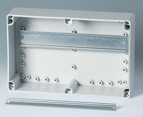 integrierte Befestigungsdome für DIN-Schienen