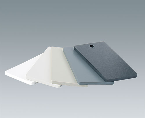 Kunststoffplatten in unterschiedlichen Farben und Materialien erhältlich