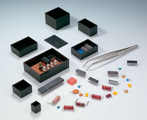 Modul-Leergehäuse zum Eingießen elektronischer Baugruppen