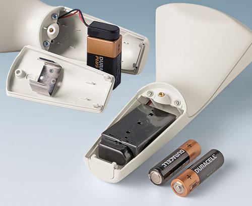 optionaler Batteriehalter für 2 x AA und 9 V (Zubehör)