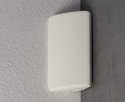 SMART-CONTROL mit konvex geformten Oberteil in einer Ecke montiert