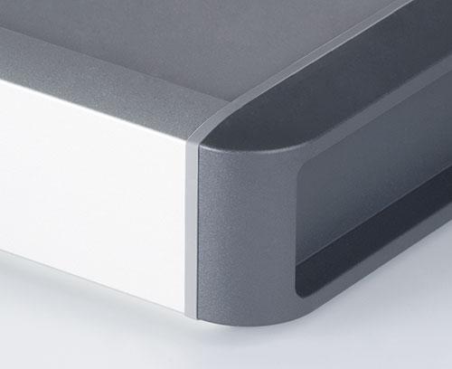 hochwertige Oberflächenqualität mit Designdichtungen und seitlichen Abdeckkappen aus Kunststoff