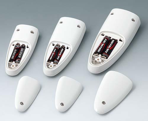 Batteriefächer: 2 x 1,5 V AAA (S, M) und 2 x 1,5 V AA (L)
