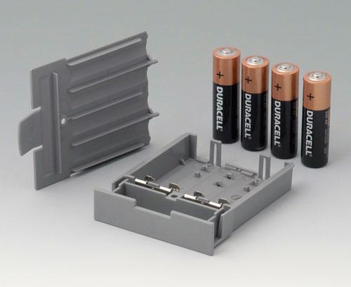 A9178128 Compartiment piles, M/L, 4 x AA