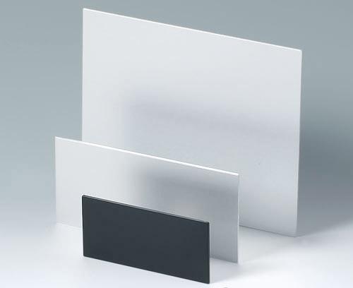 Plaques en matière plastiques et aluminium individuelles