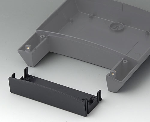 B3318918 Infill cover 180