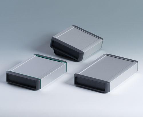 Конструкция позволяет использовать корпус в качестве ручного, настольного или пультового